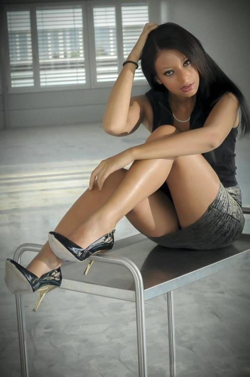 Asian tranny pornstar mot wanking her cock