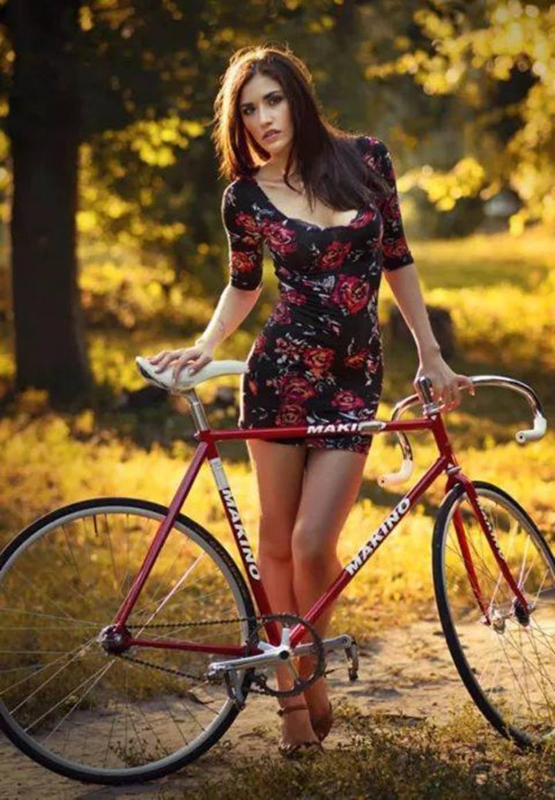 Cars-Bikes-et-Girls-Limited-Society202_1