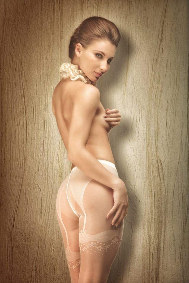 Des-photos-sexy-pas-comme-les-autres-avec-des-formes-sublimes-367