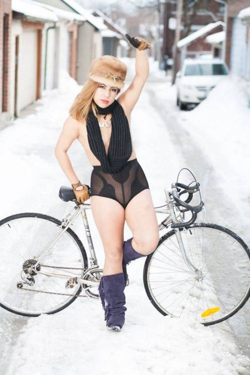Girls-by-bicycle2