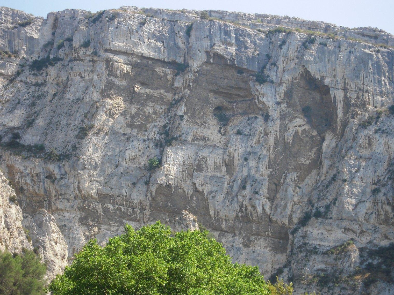 Fontaine du vaucluse for Distri center la montagne