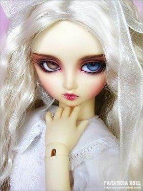 very-weird-dolls-in-gothic-style10.jpg