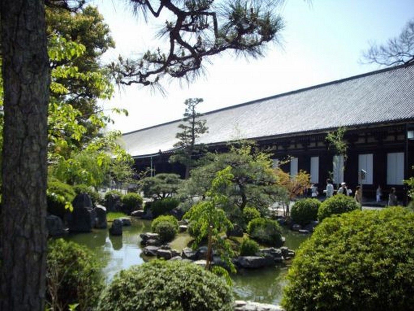 Kyoto jardin du sanjusangendo for Jardin kyoto